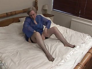 Gorgeous european mature sluts - European mature slut and her old pussy