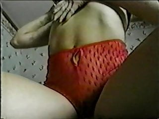 Vintage ce Brune ce masturbe