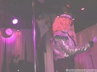 Strip bars videos - Siouxsieq - stripping to pasties and panties at bar sinister
