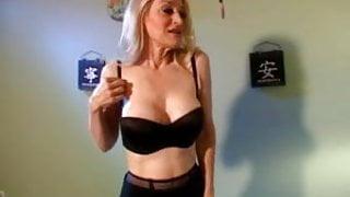 Mature Robin gets fucked