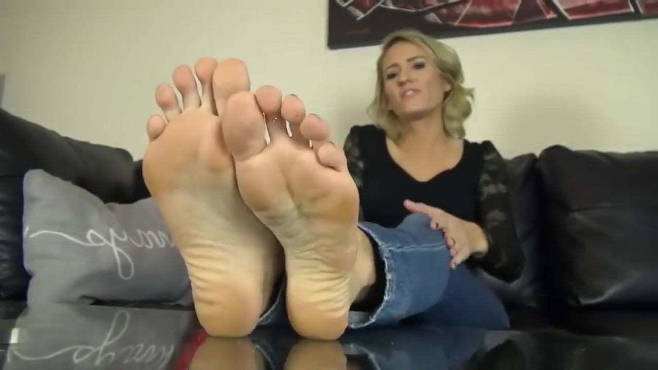 Pantyhose Lesbian Worship Feet