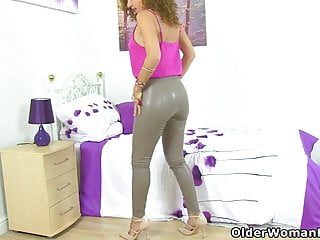 Sexy girls in small tight leather - Sexy milf french chloe gets aroused in a tight leather pants