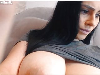 Hont nakd chicks with great boobs - Webcam hottie with great boobs stalling video but sge is so