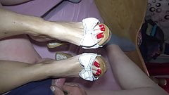 woodenmules red toenails mulejob