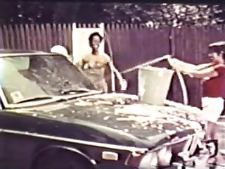 How to wash vintage clothes - Vintage us - carnival 2 - car wash - cc79