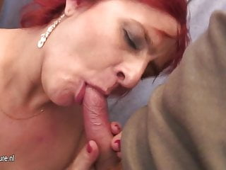 Amateur goes wild Amateur mommy goes wild with young cock