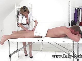 Lady sonia fuck - Lady sonia gives a massage then gets fucked hard