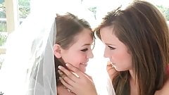 У невесты лесбийский секс вчетвером с ее подружками невесты
