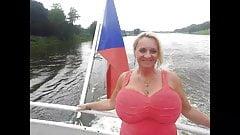 Moinka Maruskova hat dicke Titten