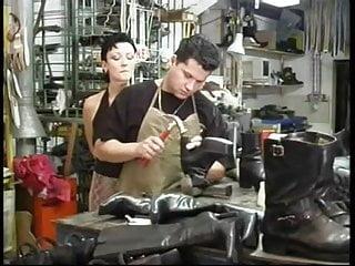 Busty shoemake - Shoemaker gets a reward