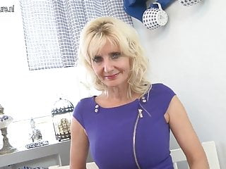 Vagina bumb - Hot mature mom with hungry vagina
