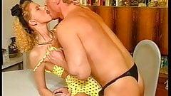 Blond + Schwanzgeil Das Sexperiment