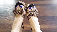 Perfect Goddess show us her Beautiful Feet