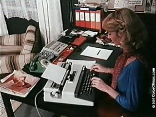Sexy office milfs - Hot office fuck with sexy milf sliding on fat big fucker