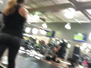 Workout voyeur Grey leggings getting a workout hd 08-30-17