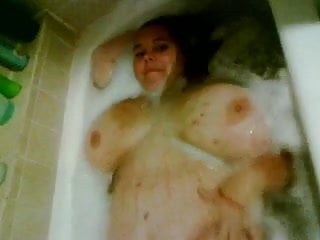 Strip 4 me - My bbw ex showing off in the tub 4 me