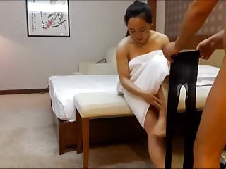 April zhang nude Big breasted sister zhang qianlin 2