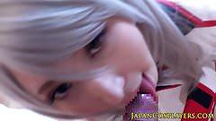 Японская косплей-крошка сосет член в видео от первого лица