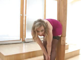 Nice cock gorgeous tranny Gorgeous mom with long legs and nice tits