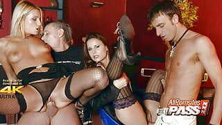 Strippers Claudia And Melissa In An Orgy At The Club – 4k