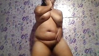 Pinay Chubby Marga Naked Dance