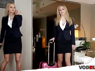Lesbian xxx video free - Twins natasha starr and natalia starr receive a free massage