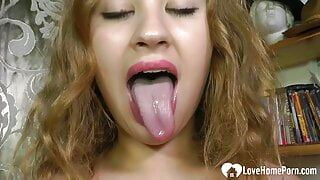 Cock-hungry girlfriend gets to suck me off