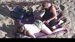 Estrangeiro - Hidden Cam Couple, two lesbians sex in beach