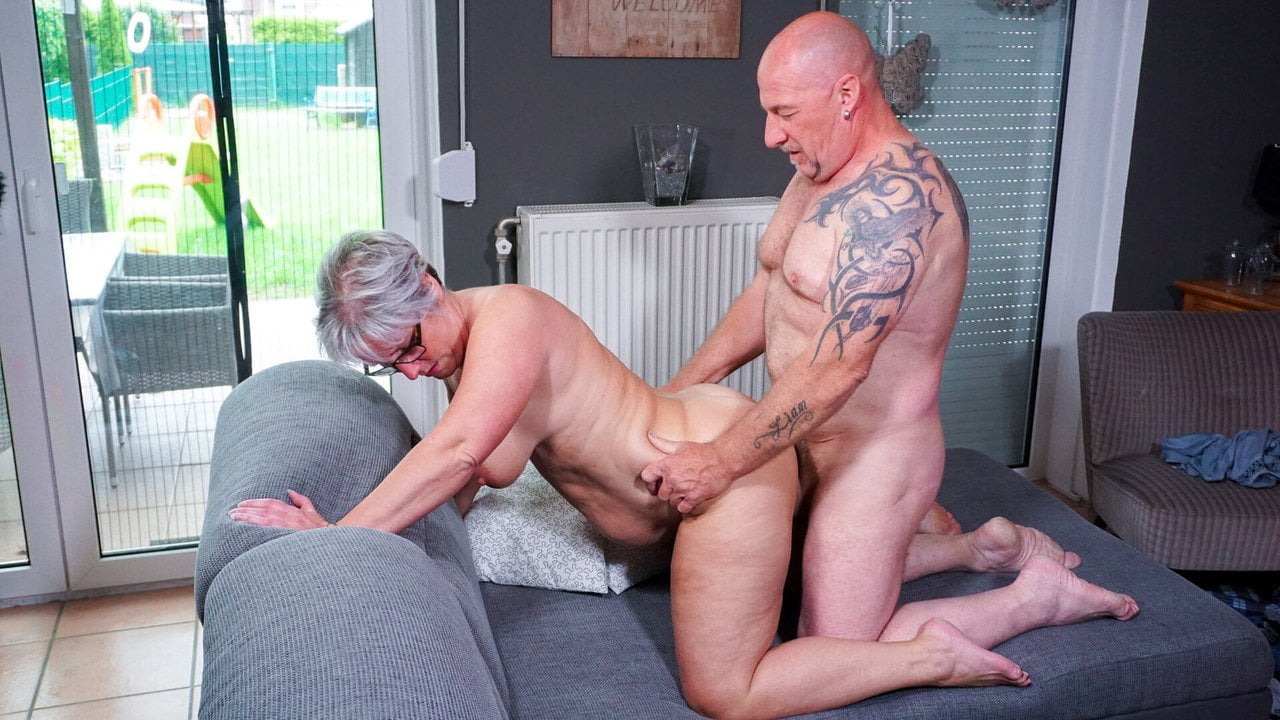 Hausfrau Ficken - German Wife Cheat Husband With Neighbor