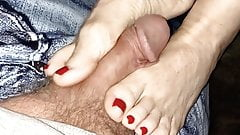 Wifes Feet Squeezes My Cock So Good