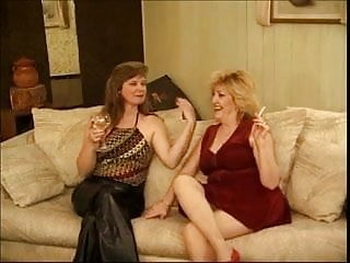 Sapphic mature - Two older sluts have some sapphic fun
