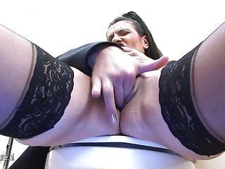 Sluts menstruation and peeing - Mature cocksucking slut gets a pee wash