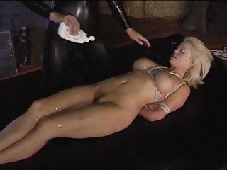 Vacuum bed messy lesbian bondage latex - Lesbian bondage