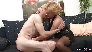Grandma and Grandpa at Porn Casting because need Cash German