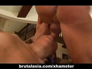 Gay hung dudes clips Keanni lei gets dp-ed by those hung dudes
