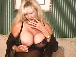 Johnny gunn xxx - Big breasted blonde milf tia gunn masturbates