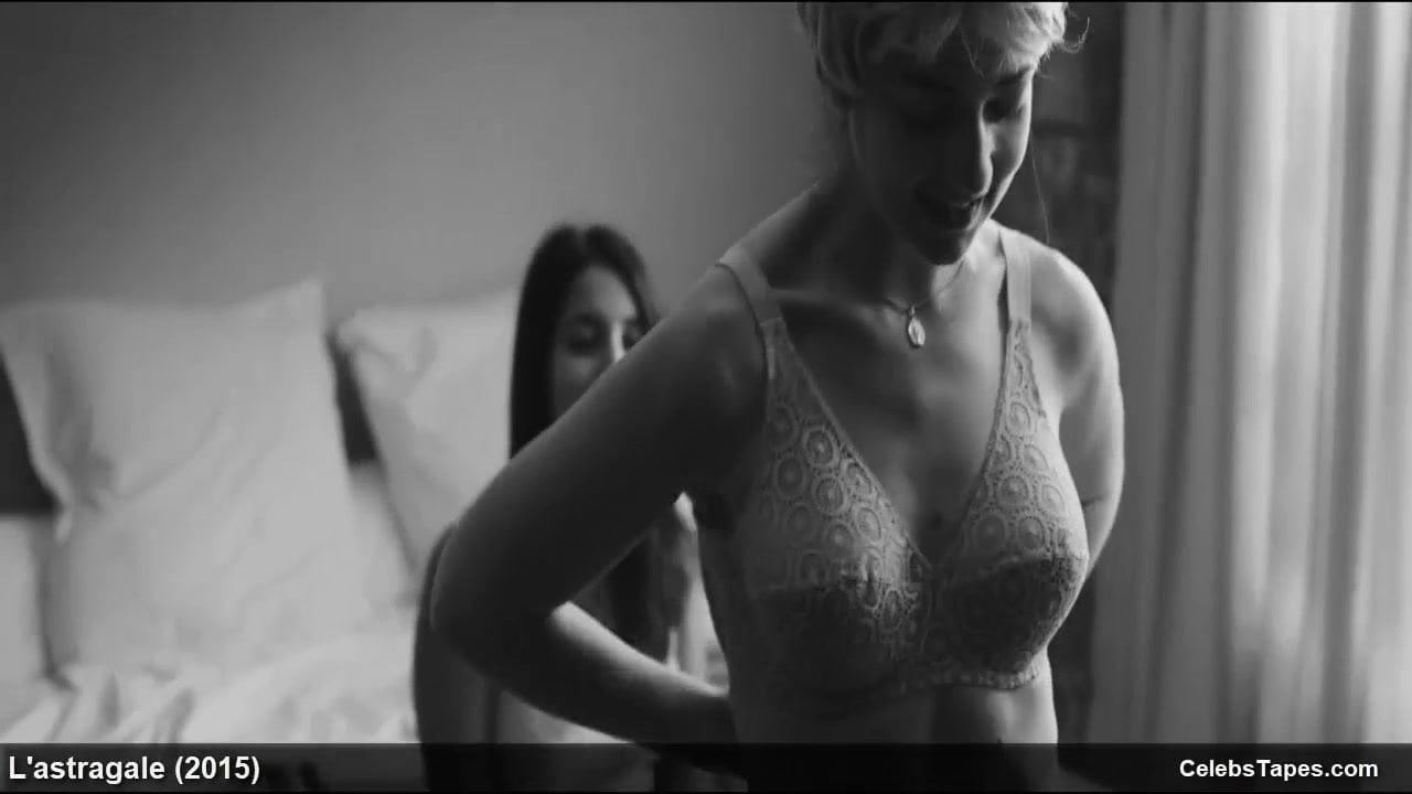 Nude esther garrel Esther Garrel
