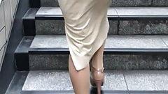 candid pantyhose lady