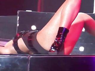 Rihanna sexy photos Rihanna - sexy moments - on stage