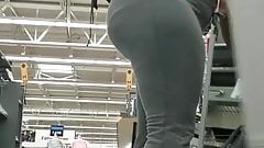 Thick booty ebony expecting MILF, VPL