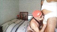 je me fait defoncer le cul en sucant une autre bite