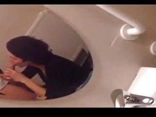 Patty mc nary nude Elle suce aux toilettes du mc do