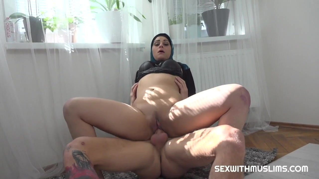 8 912 Prision Porn Moviles muslim woman got the cock in her mouth instead of a prayer
