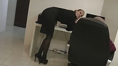 Secretary in tights wants cock