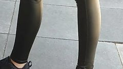 sexy teen w tight leather leggings !!!