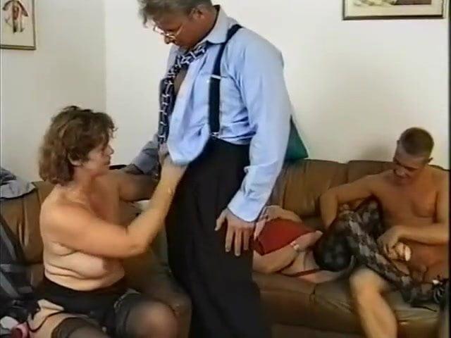 Porno im altenheim