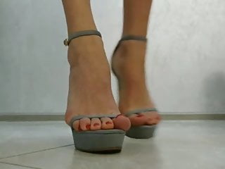 Sexy nail polish color names Beautiful feet with red nail polish in sandals
