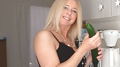 EXTREME HUGE CUCUMBER for a fit and Sexy German MILF! Gape!