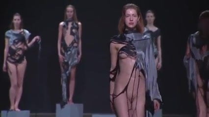 Attractive Naked Women Fashion Show Pic