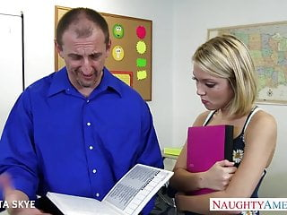 Brooke skye spanked - Slim dakota skye gets nailed by her boss